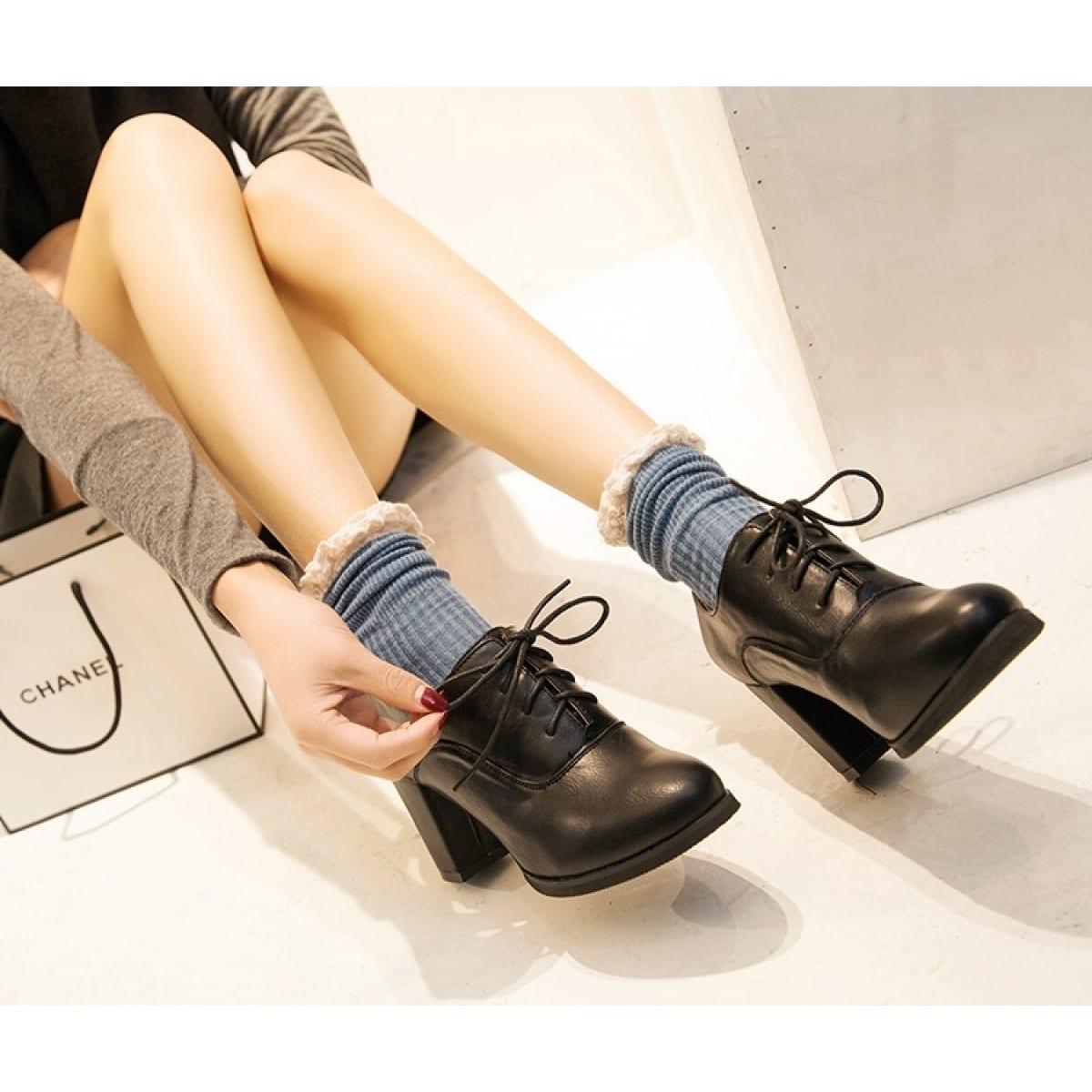 Trendy women's shoe brands right now