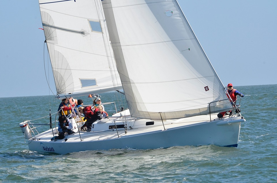 How does a sailboat work?